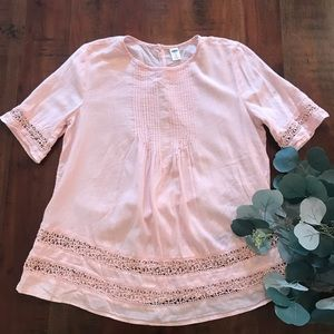 Old Navy Lace Embellished Top in Pale Pink